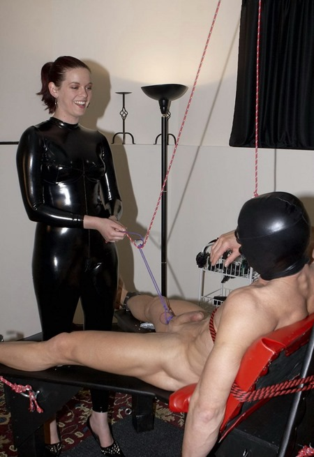 mistress-jennifer-jerk-for-her-with-ms.-savannah