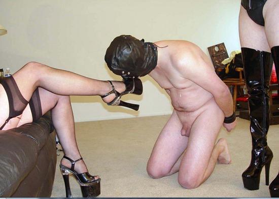 mistress jennifer teasing her servant